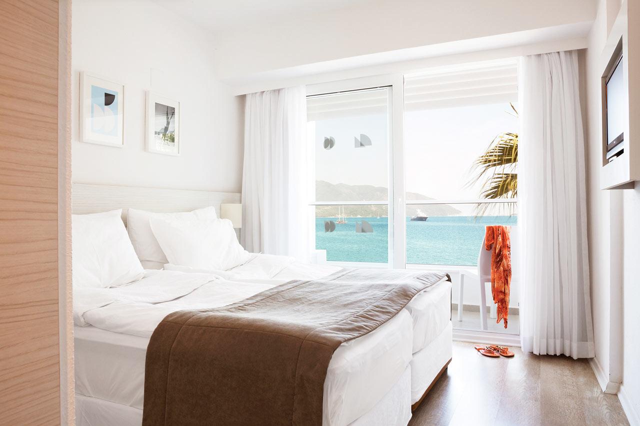 Sunprime Beachfront - Prime Room med lille balkon og havudsigt