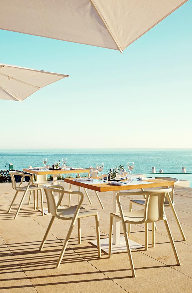 Restauranten på Ocean Beach Club byder på skøn, udendørs servering