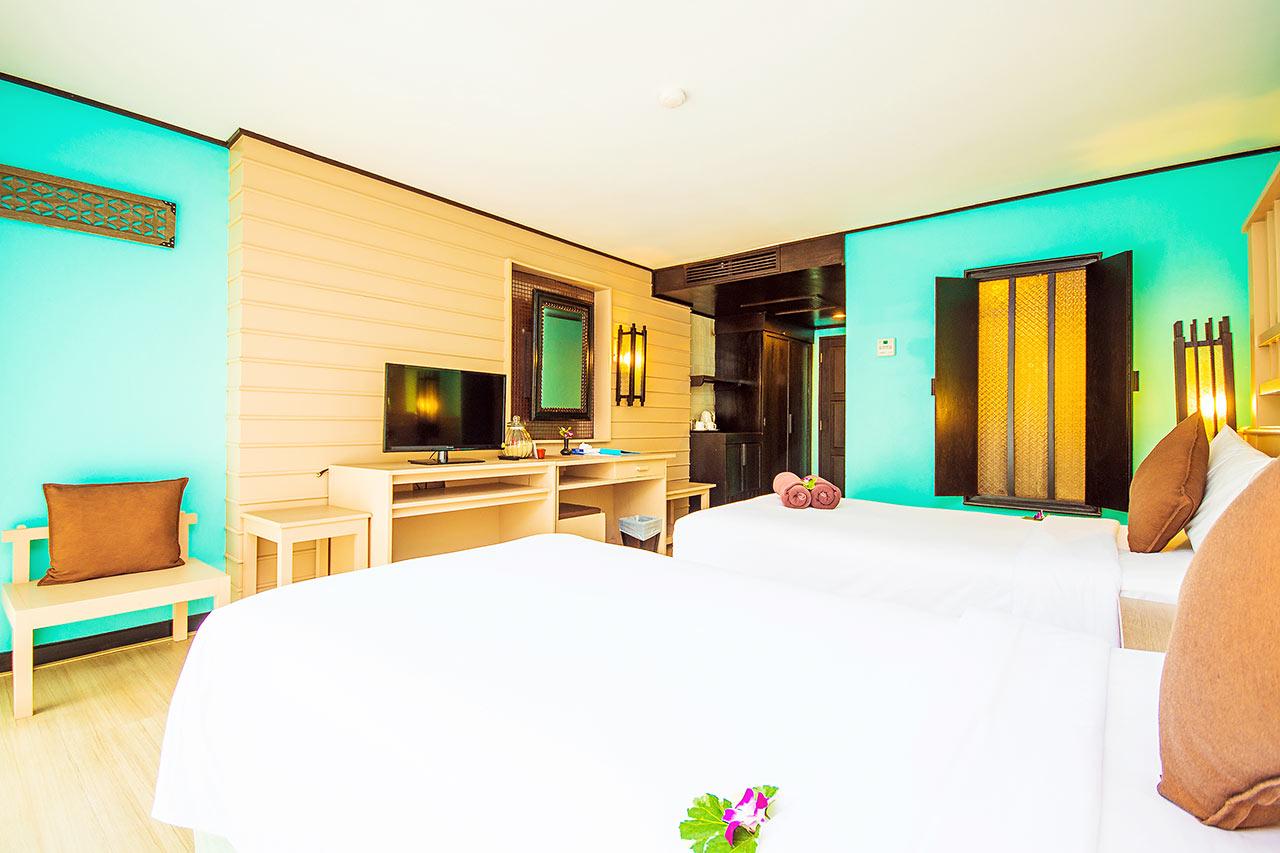 Dobbeltværelse med terrasse mod haven