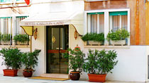 Hotel Hotel Capri Carlton – bestil nemt og bekvemt hos Spies