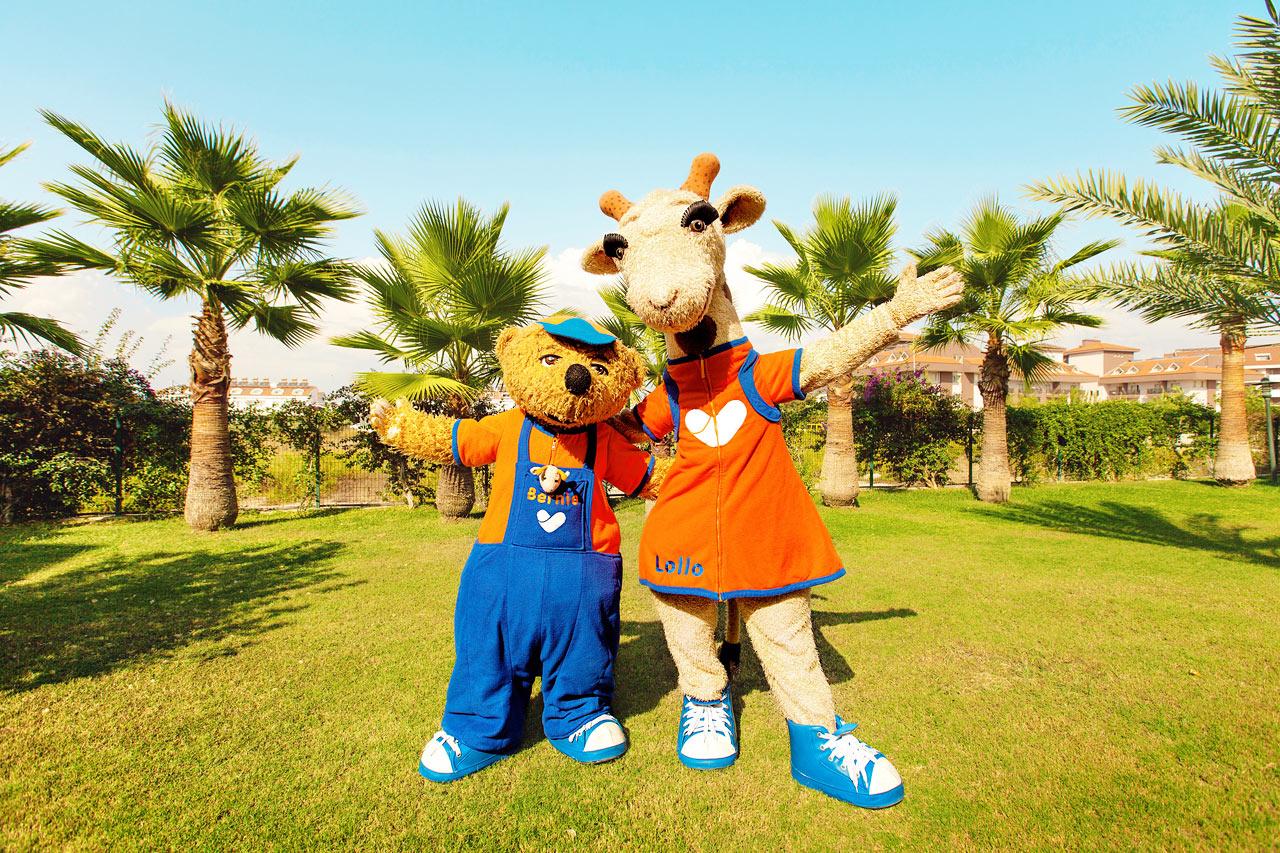 Vores maskotter Lollo & Bernie er alle børns bedste venner i ferien