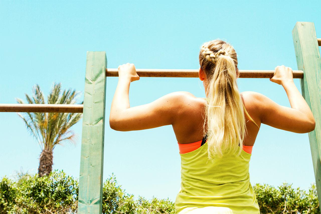 På Sunwing Sandy Bay kan du styrketræne under åben himmel