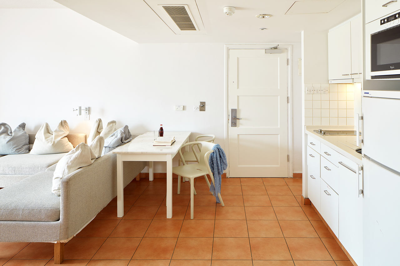 2-værelses handicapvenlig Family-lejlighed med terrasse mod omgivelserne