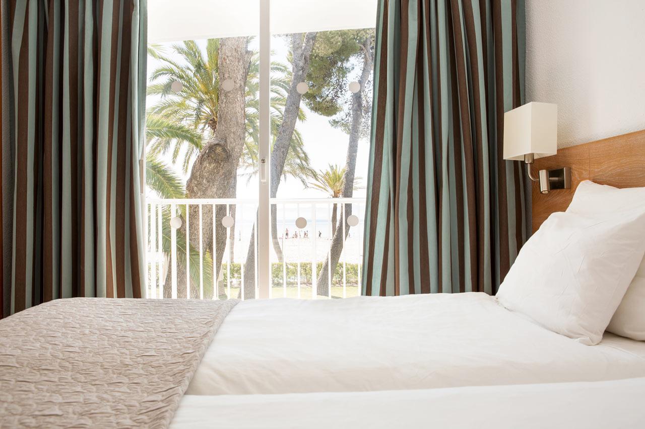 2-værelses Family-lejlighed med balkon mod havet i Las Palmeras