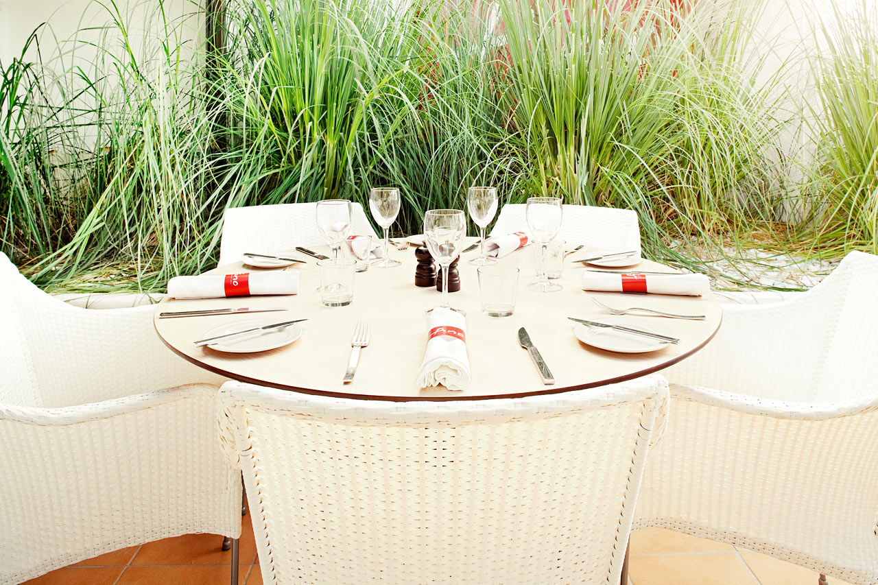 På elegante Fino Restaurant & Grill spiser hele familien veltilberedt mad fra det lokale og internationale køkken