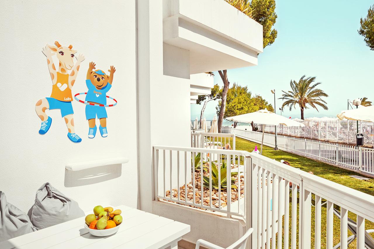 2-værelses Lollo & Bernie Suite med balkon i stueplan mod omgivelserne i Victoria